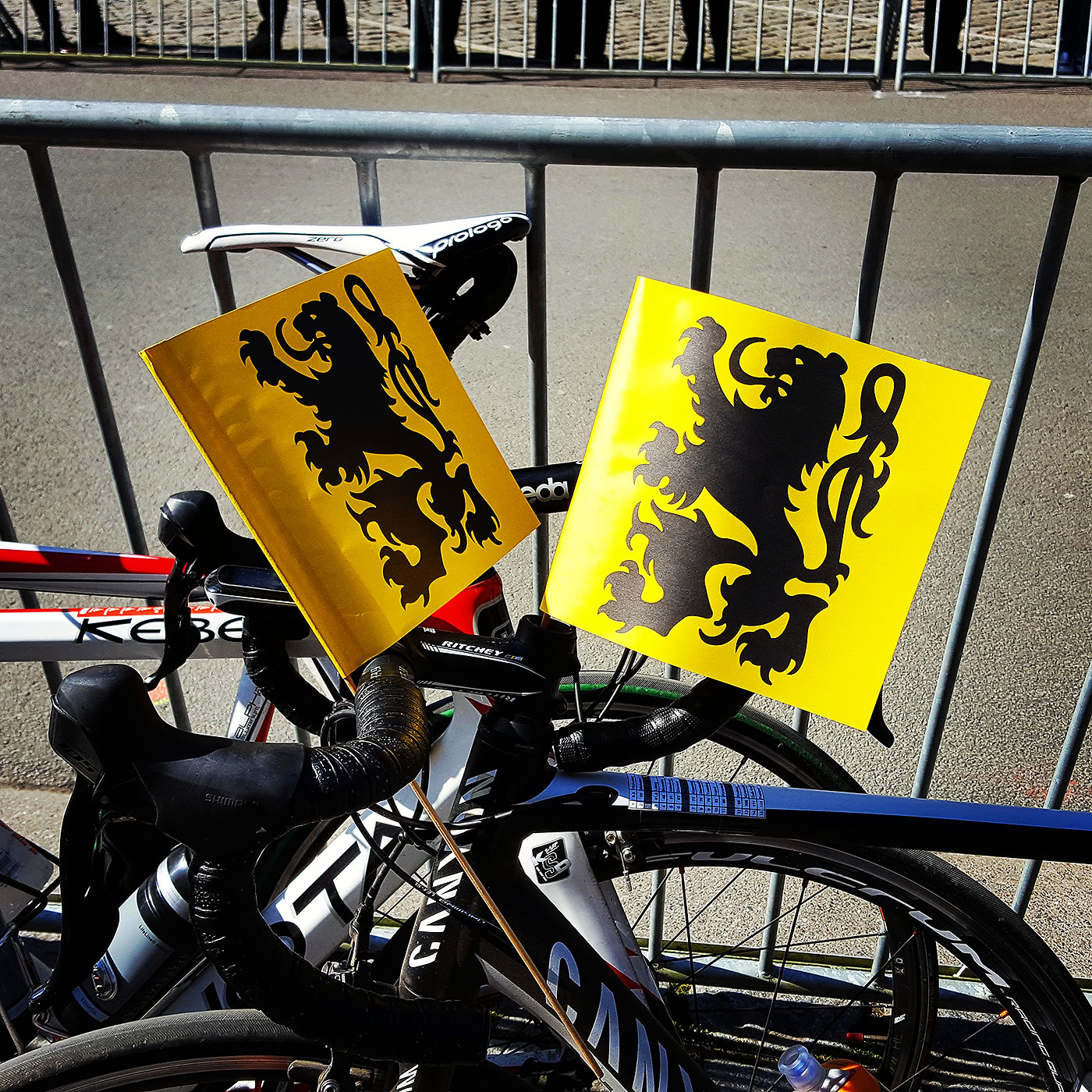tour flanders 2016 flags
