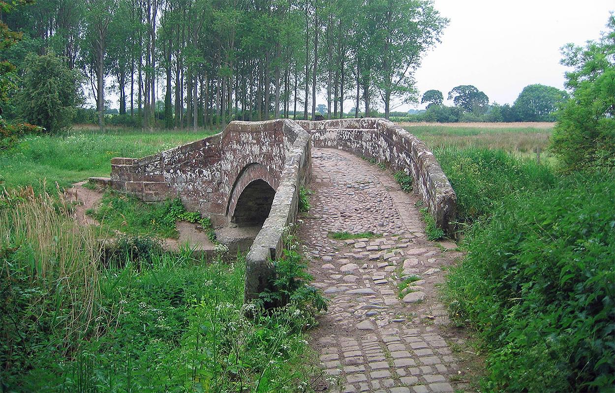 cobbles hockenhull platts cheshire ancient bridge