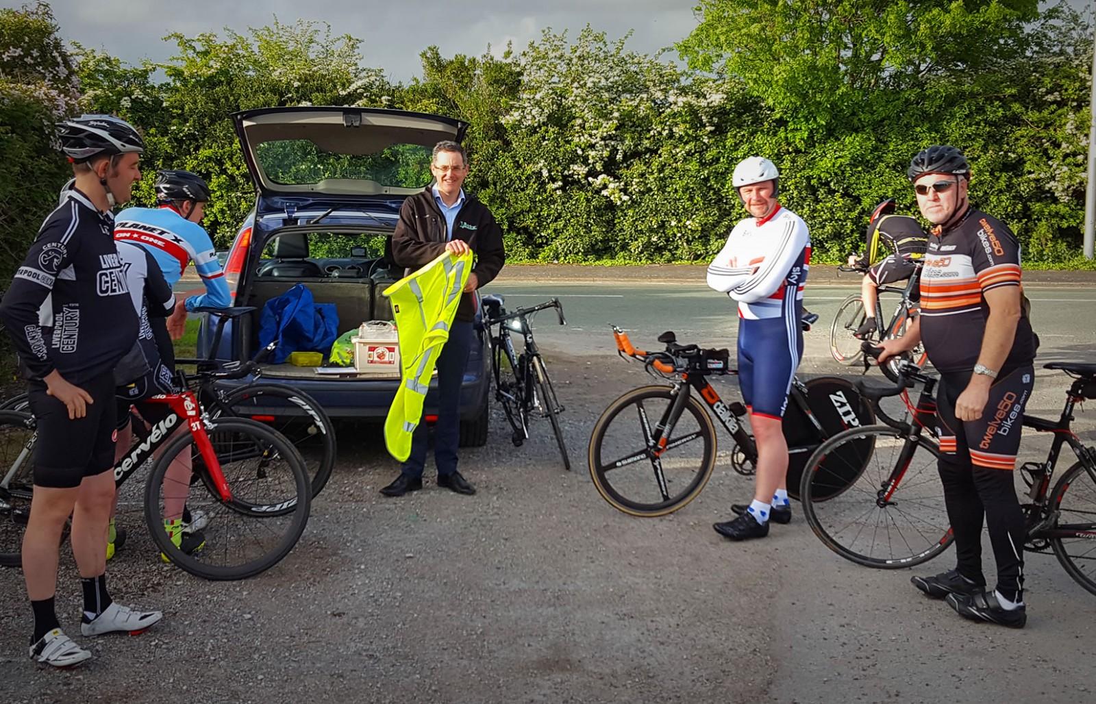 frodsham runcorn cyclists time trials riders bikes