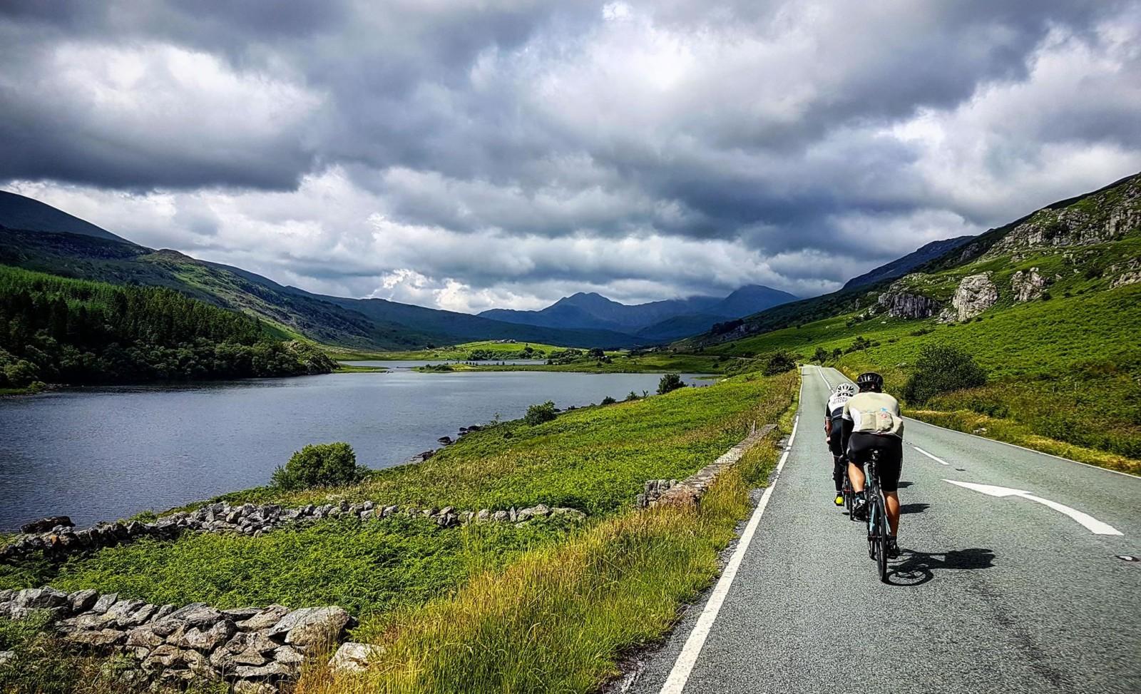 bala lake north wales cycling