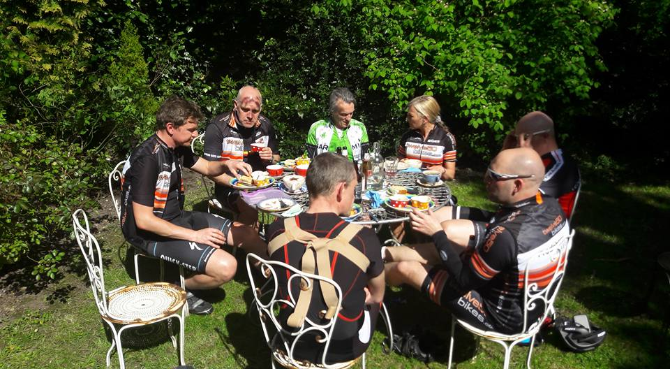 cafe-stop-al fresco cycling tour lancashire