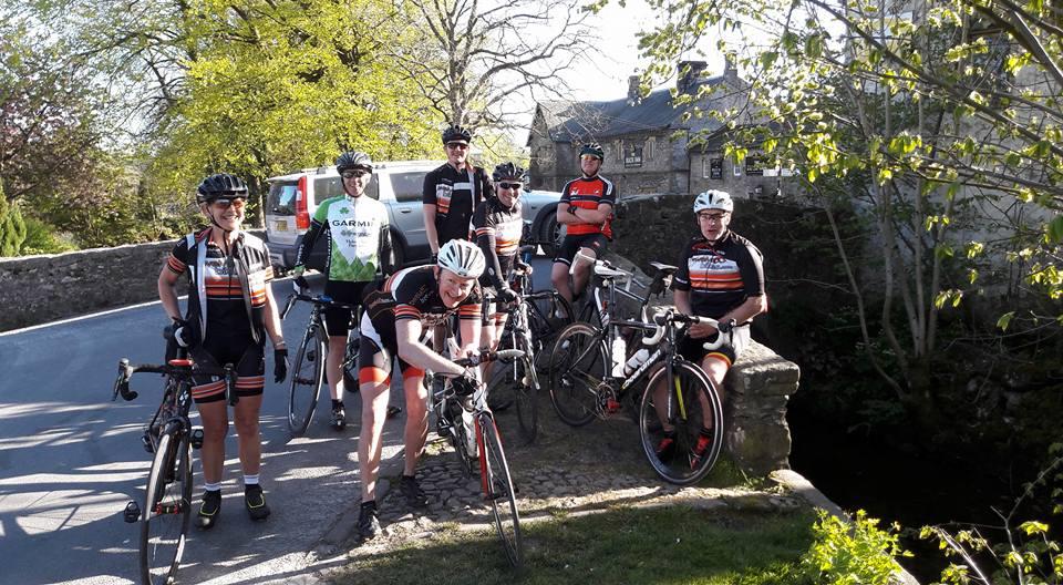 frodsham wheelers take a break