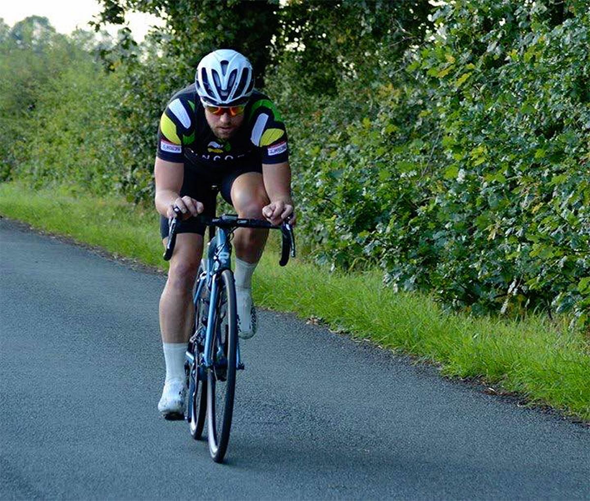 jonny okell time trial rider runcorn cycle club