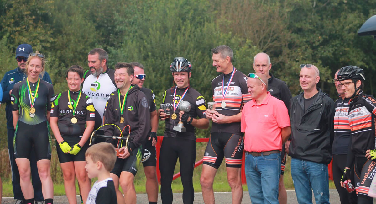 Runcorn & Frodsham group photo hatton 10 time trial