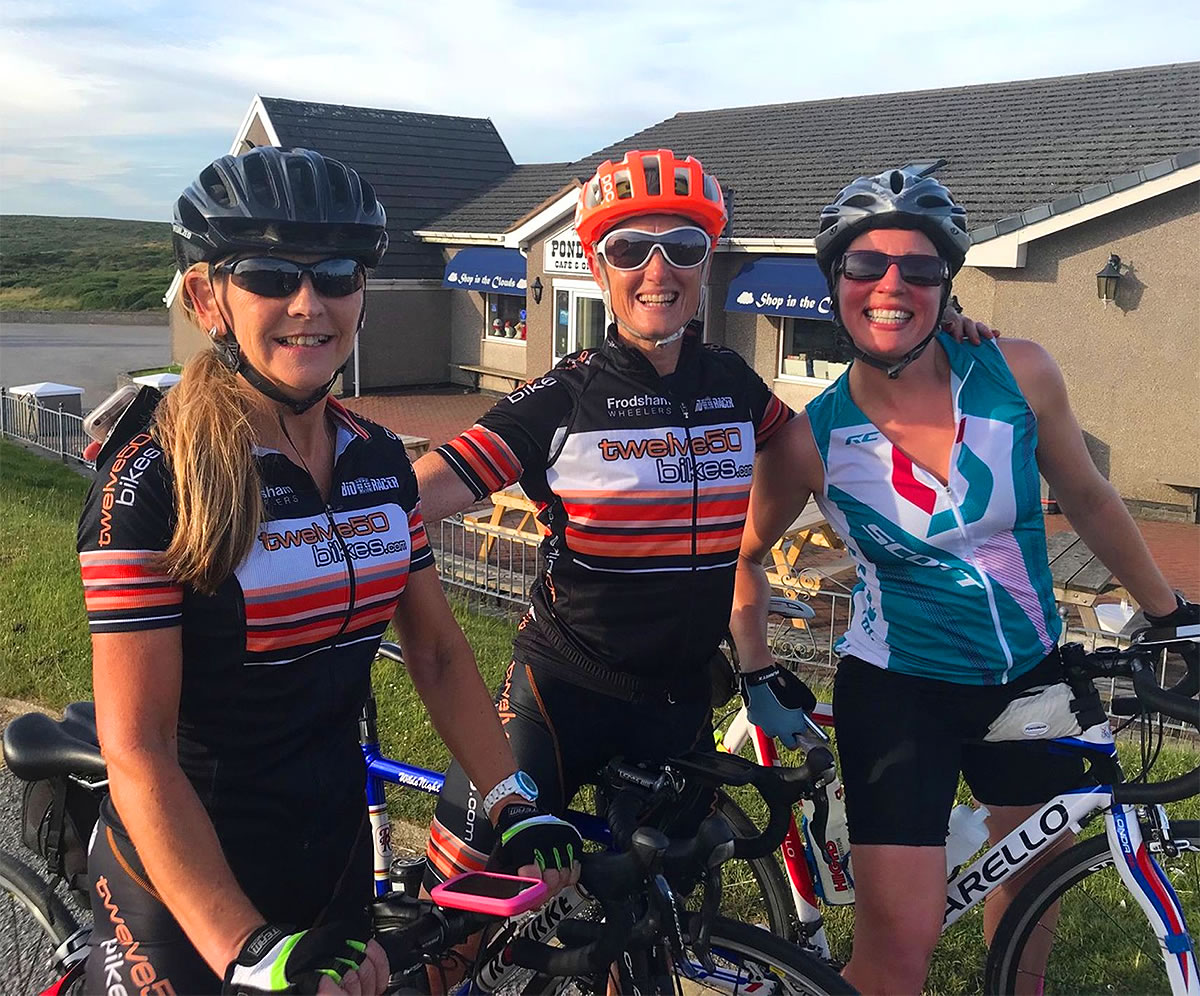 endurance cyclists ponderosa cafe horse -shoe pass